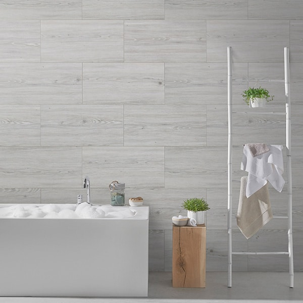 New decorative tiles from Grosfillex for renovating a bathroom (and house) without work
