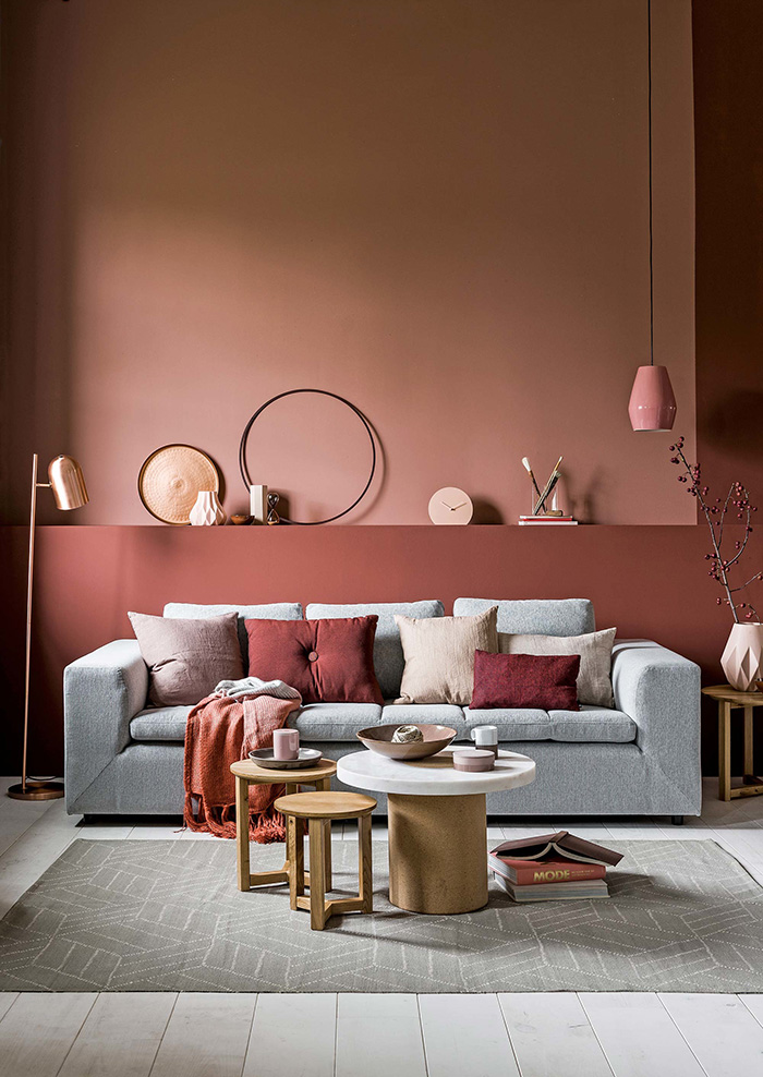 The color terracotta is a trend in decorating and so it is dyed and decorated with it