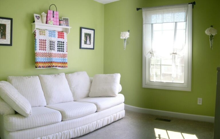 15 colors that match green