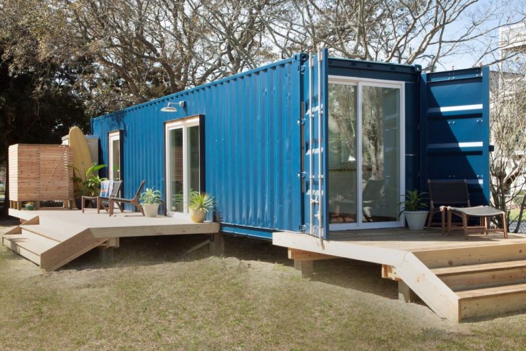 How a small house will help you take care of the planet – while living in a magazine house