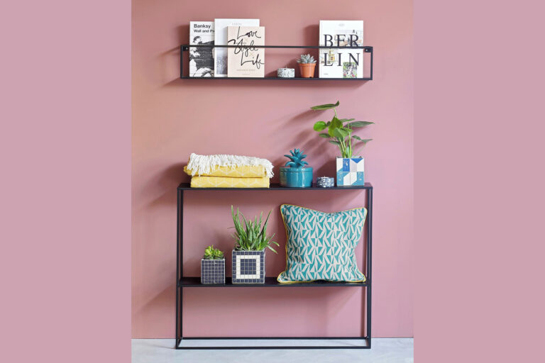25 Very narrow consoles for small spaces