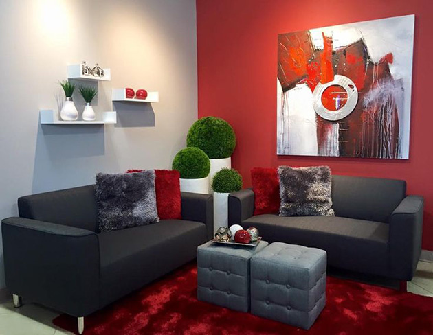 Living room that combines red and gray walls