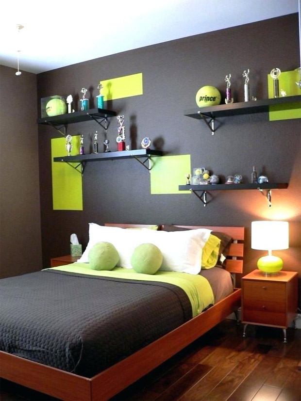 A bedroom that combines pistachio and brown