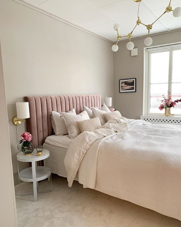 Bedroom painted in gentle earth tones suitable for Feng Shui