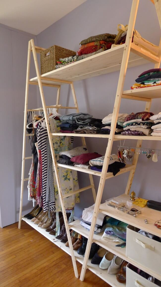 A closet or closet made with stairs and wood