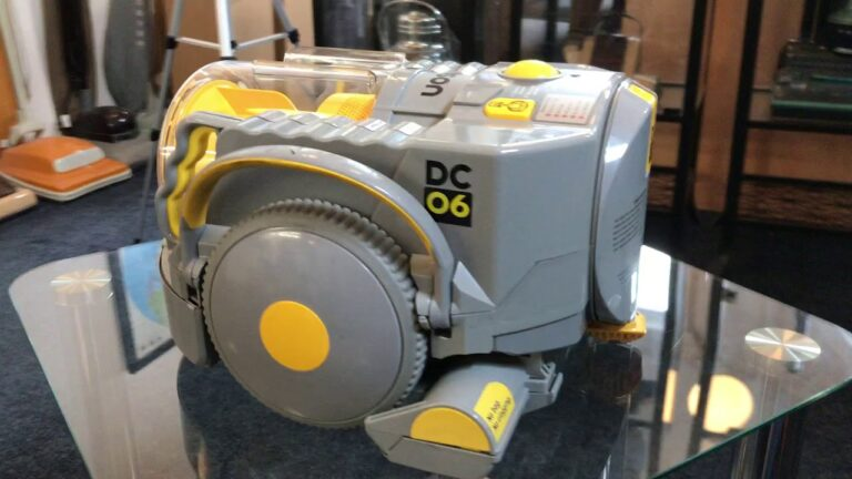 Dyson Robot Vacuum Cleaner The Dc06