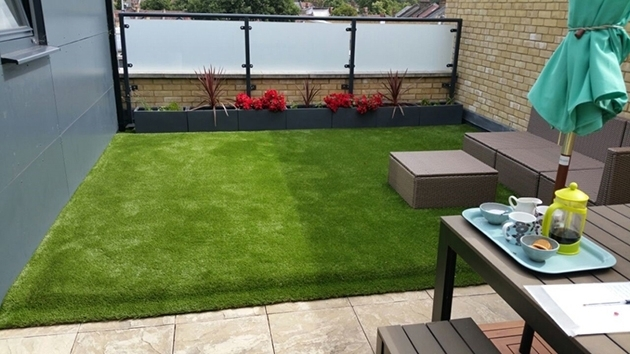 Terrace with artificial grass