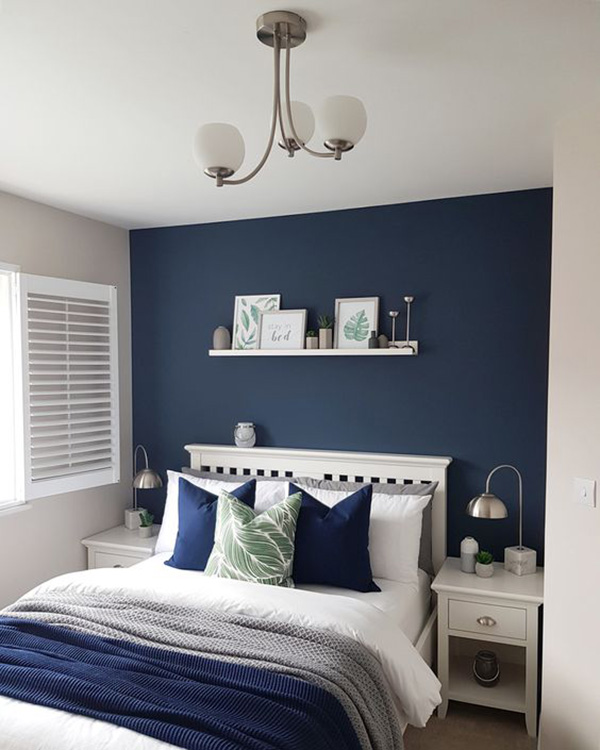 Colors that go well with navy blue: gray