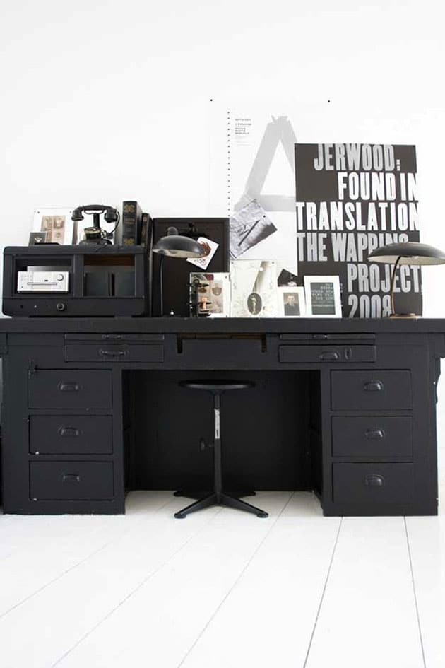 Paint the furniture in matte black and rejuvenate it