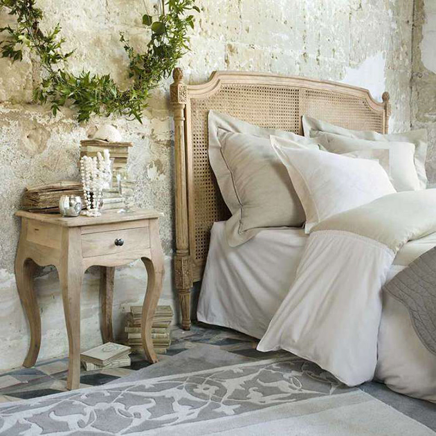 Decorative and natural stone walls in the bedroom