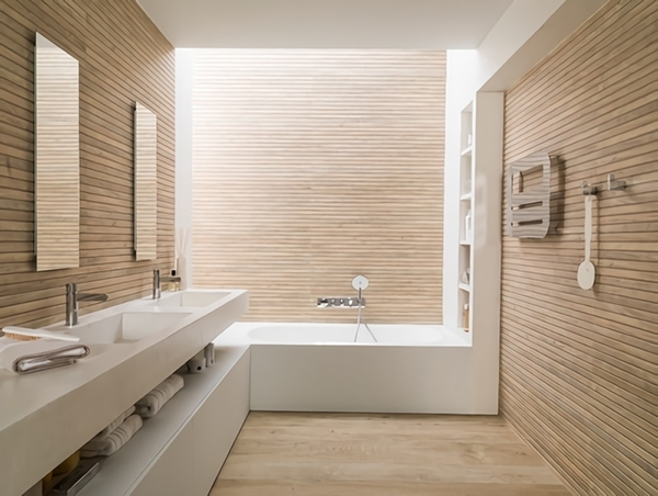 Tileless bathroom lined with wooden slats