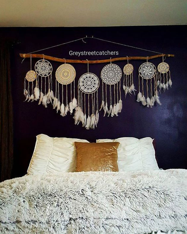 Ideas for decorating the wall above the bed