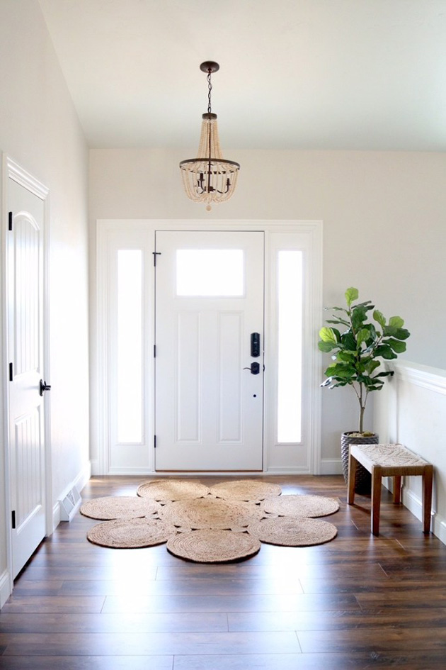 Modern and simple hall, entrance or entrance