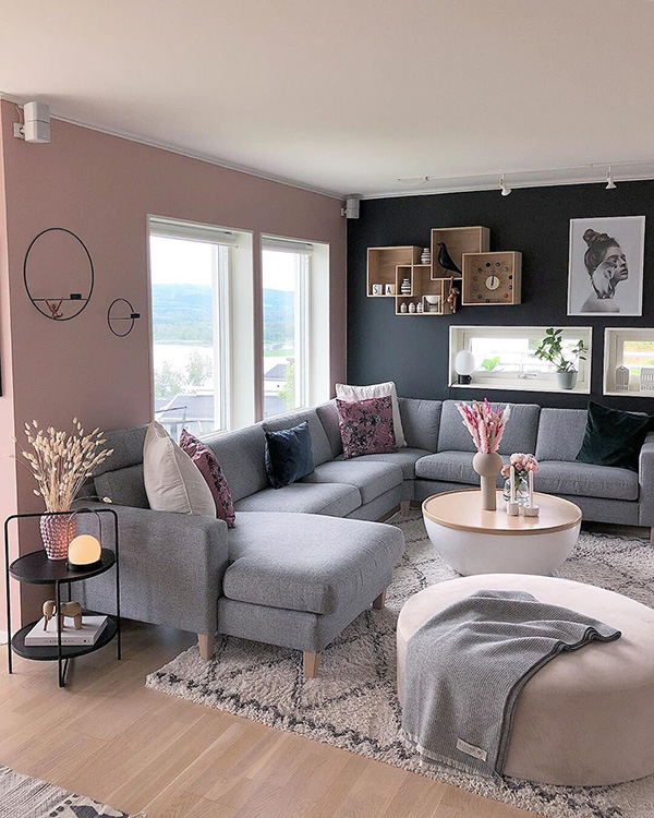 Living room decorated in 3 colors