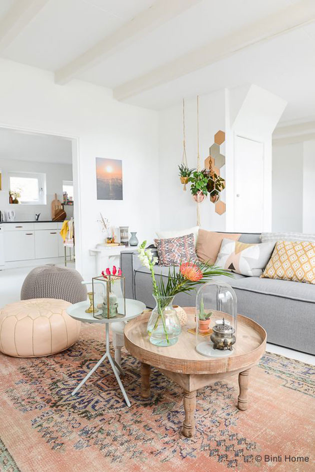 Living room decorated in pastel colors