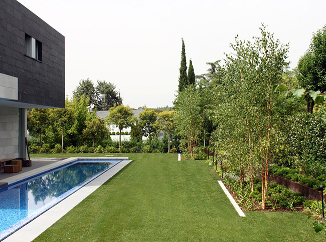 30 beautiful photos and ideas for decorating a large modern garden.