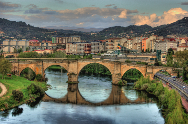 Will you continue to work remotely?  Here you will find the cheapest rental in Spain
